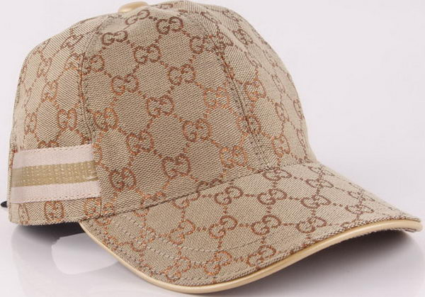 Gucci Peaked Cap GG44 Brown
