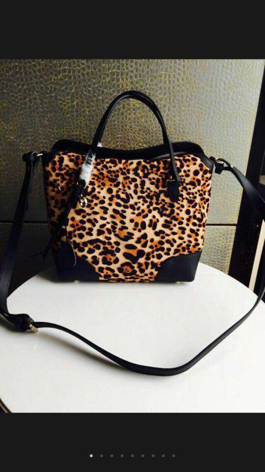 Gucci Tote Bags Leopards 308333