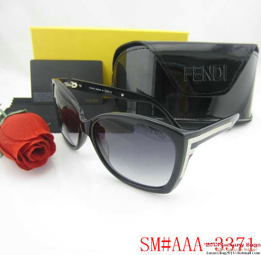 Fendi Sunglasses FS020