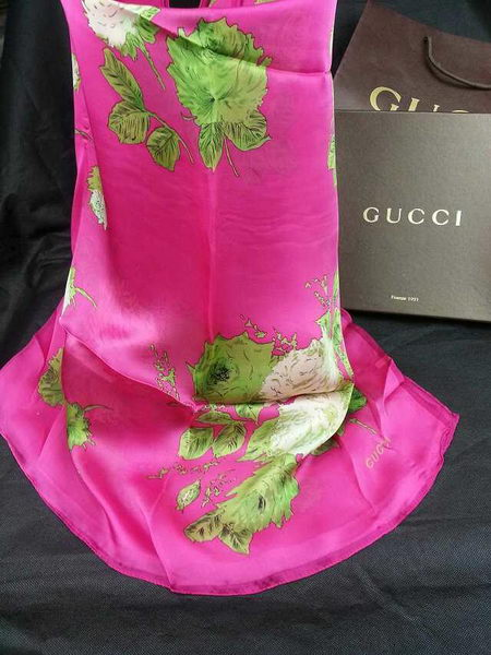 Gucci Silk Scarf CH15772A Pieces of Red