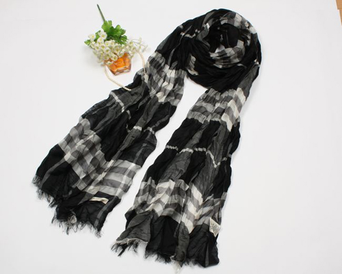 Burberry Gauze Giant Check Crinkled Scarf B03