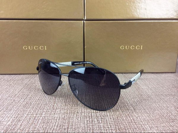 Gucci Sunglasses GC2069D