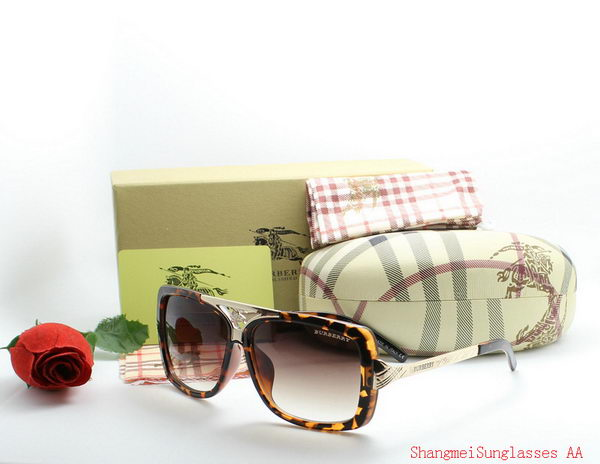 Burberry Sunglasses BU2216C