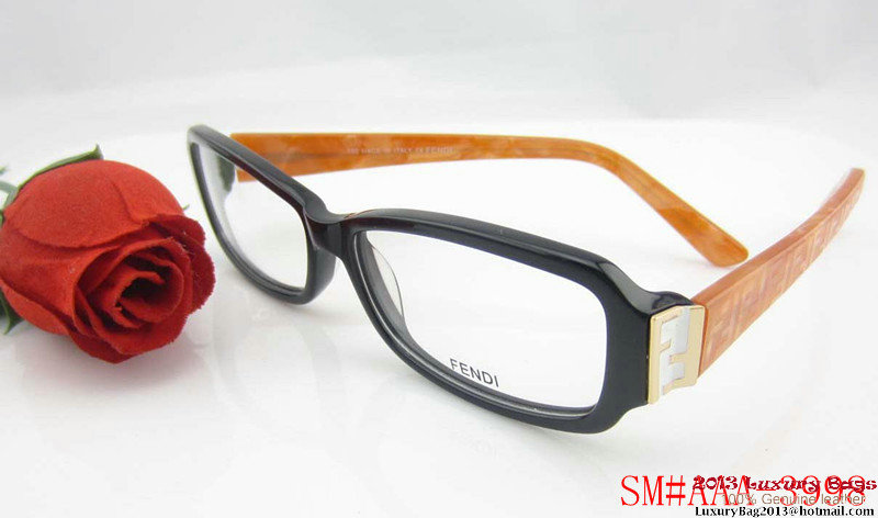 Fendi Sunglasses FS032