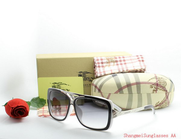 Burberry Sunglasses BU2216D