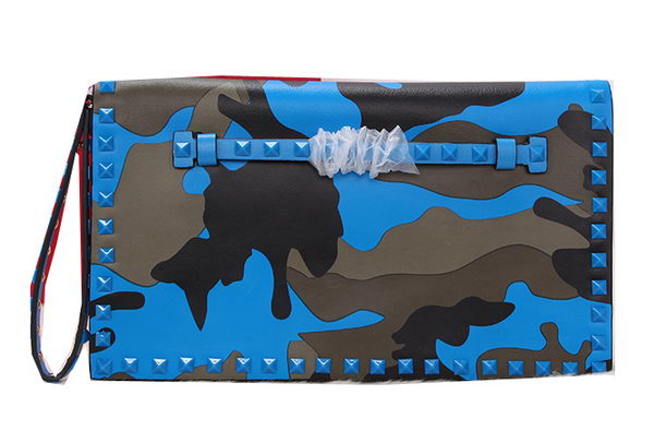 Valentino Garavani Mimetic-Effect Fabric Rockstud Clutch VO6601 Blue