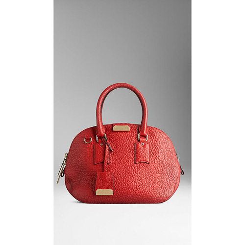 BURBERRY WOMEN'S THE SMALL ORCHARD IN SIGNATURE GRAIN LEATHER MILITARY RED
