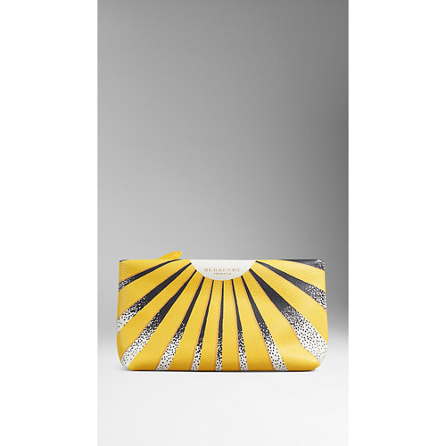 BURBERRY WOMEN'S BOOK COVER PRINT LEATHER POUCH FERN YELLOW/BLACK
