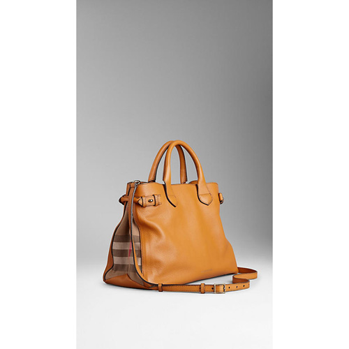 BURBERRY WOMEN'S THE MEDIUM BANNER IN LEATHER AND HOUSE CHECK COGNAC