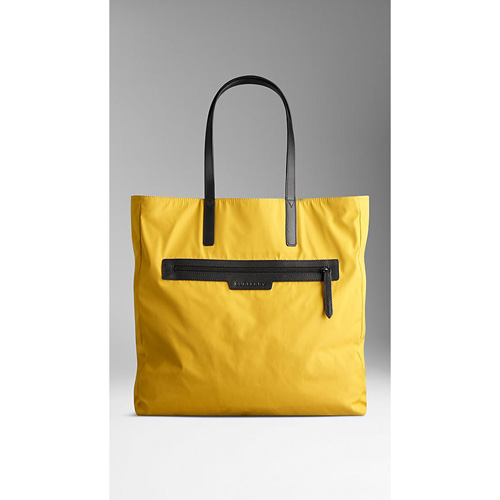 BURBERRY WOMEN'S REVERSIBLE LIGHTWEIGHT TOTE BAG  TURMERIC