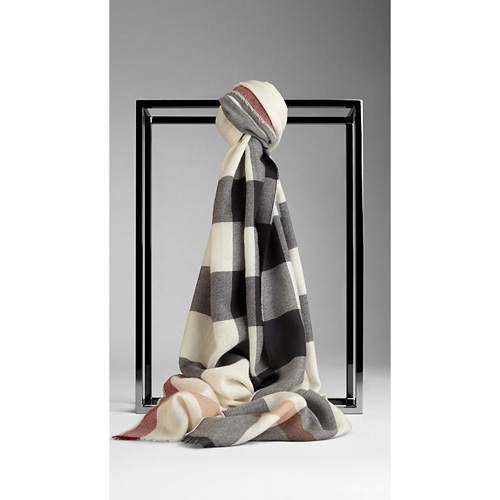 BURBERRY WOMEN'S CHECK CASHMERE SCARF IVORY CHECK