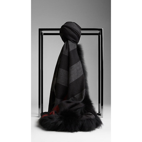 BURBERRY WOMEN'S FUR TRIM CASHMERE CHECK SCARF BLACK CHECK