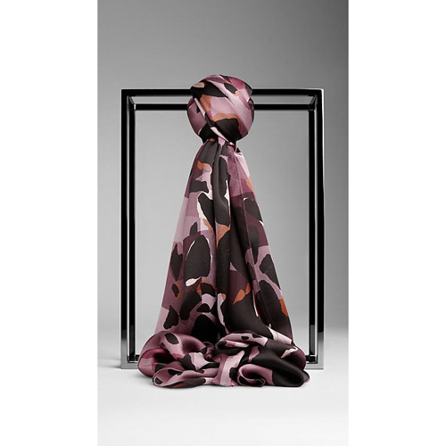 BURBERRY WOMEN'S ANIMAL PRINT CHECK SILK SCARF PINK HEATHER