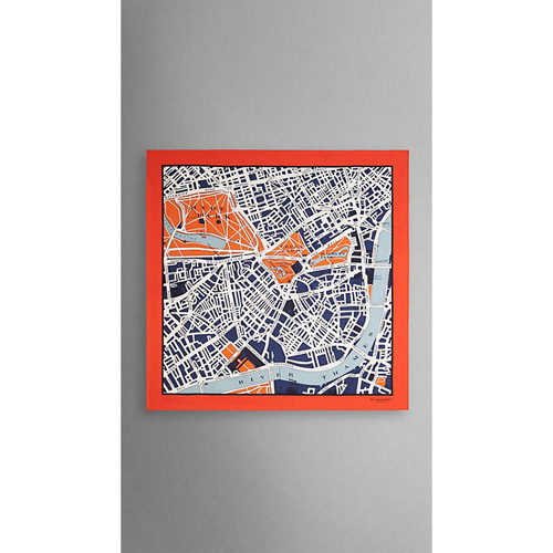 BURBERRY WOMEN'S LONDON MAP PRINT SILK SQUARE - MEDIUM BRILLIANT NAVY PRINT