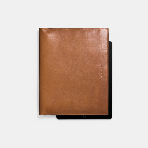 COACH BIFOLD ipad case SADDLE