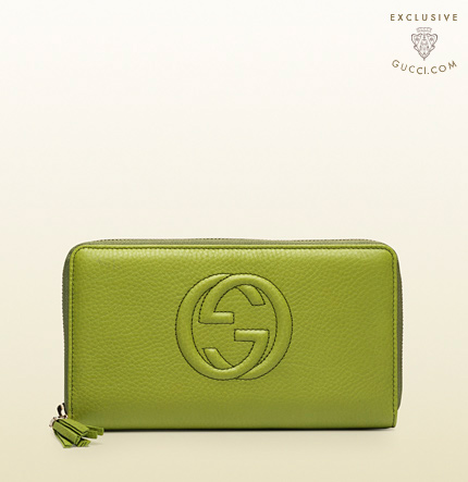 Gucci soho apple green leather zip around wallet