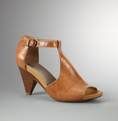Kenneth Cole Reaction Roll Off Heel FAWN