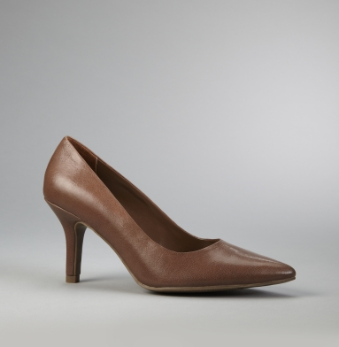 Kenneth Cole Reaction Quick Snap Pump TAUPE