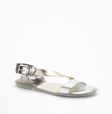 Kenneth Cole Reaction Cross Dear Sandal SILVER