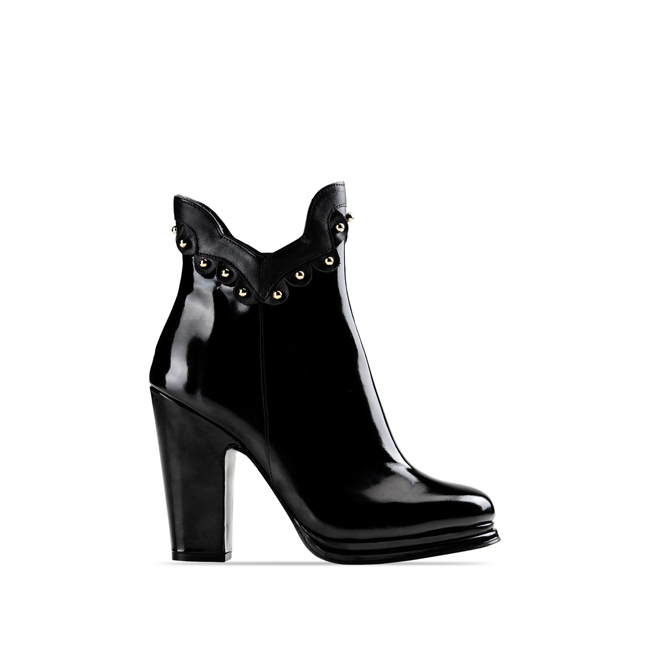 Moschino Cheap and Chic Ankle boots BLACK
