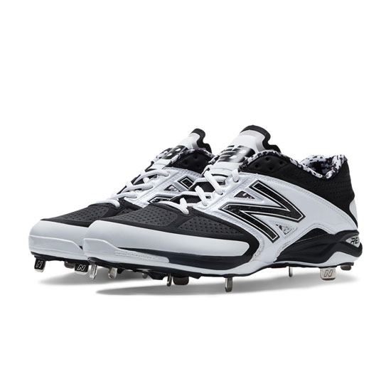MEN'S New Balance Low-Cut 4040v2 Metal Cleat White with Black