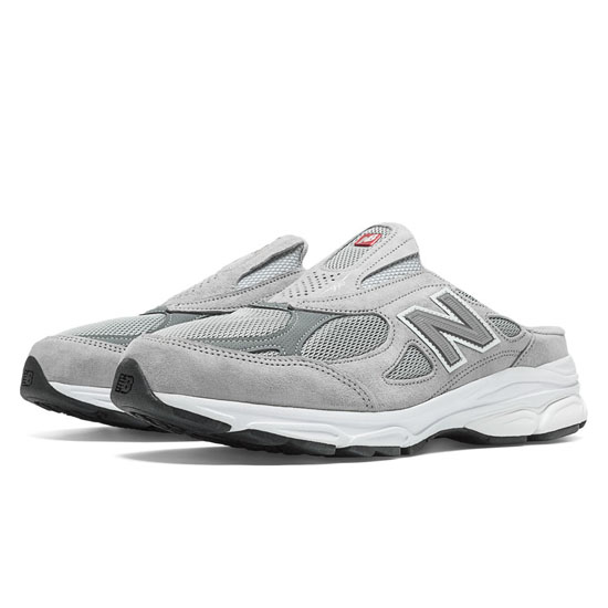 MEN'S New Balance 990v3 Light Grey