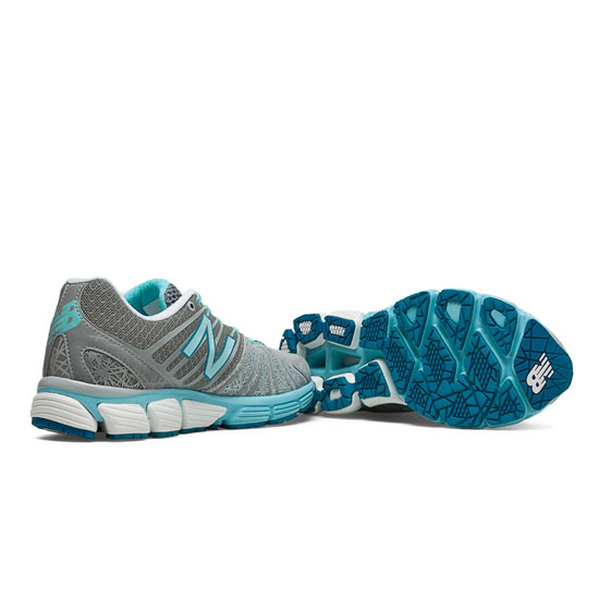 WOMEN'S New Balance 890v5 Silver with Blue Atoll