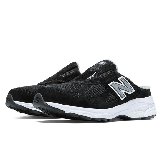 WOMEN'S New Balance 990v3 Black with White