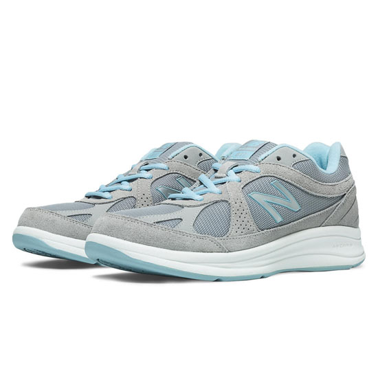 WOMEN'S New Balance 877 Silver with Aqua
