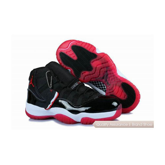 Nike Womens Air Jordan 11 Bred Sneakers