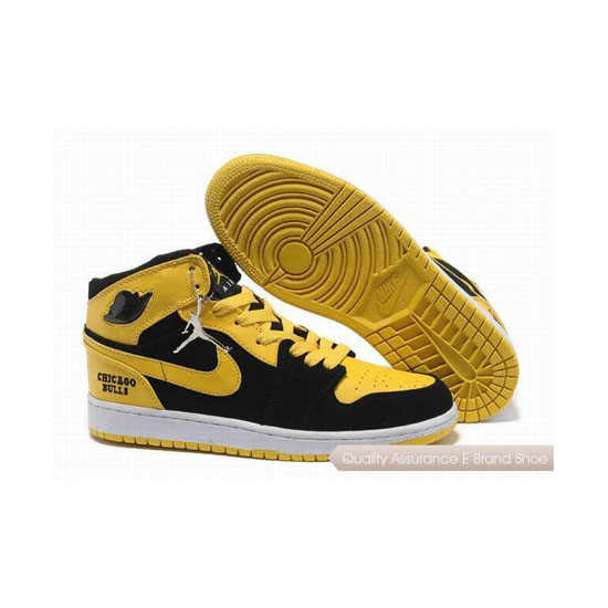 Nike Air Jordan 1 Retro Chicago Bulls Black Yellow Sneakers