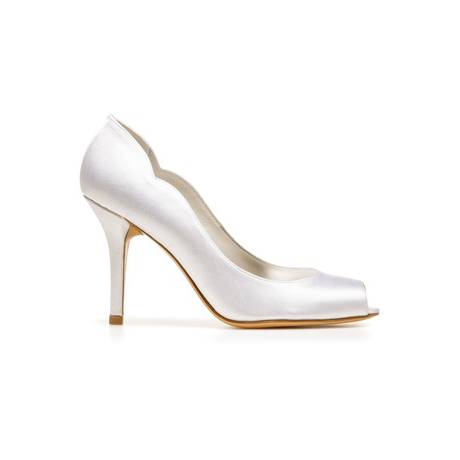 STUART WEITZMAN THE DIPPY PUMP White Satin