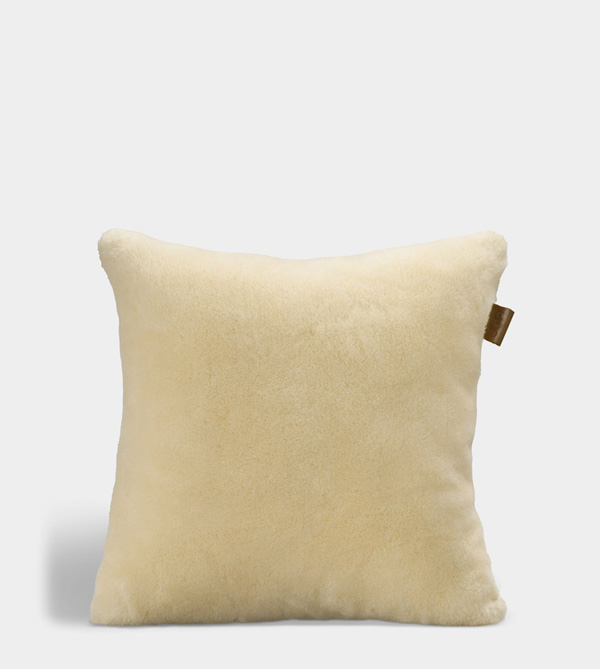 UGG THROW PILLOW NATURAL