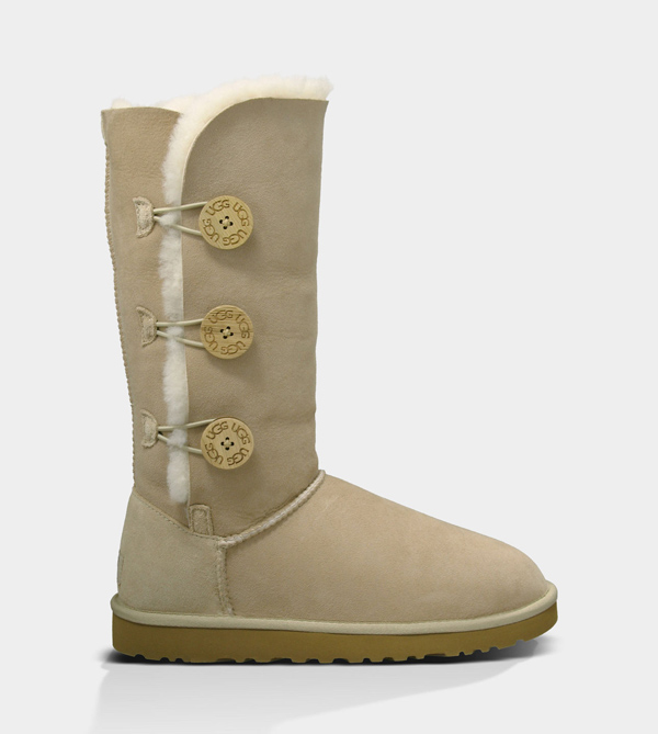 UGG WOMENS BAILEY BUTTON TRIPLET SAND