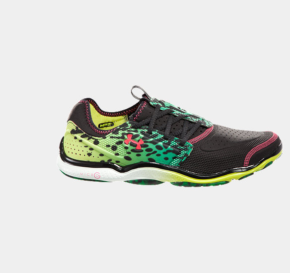 UNDER ARMOUR MEN MICRO G TOXIC SIX RUNNING SHOES BLACK