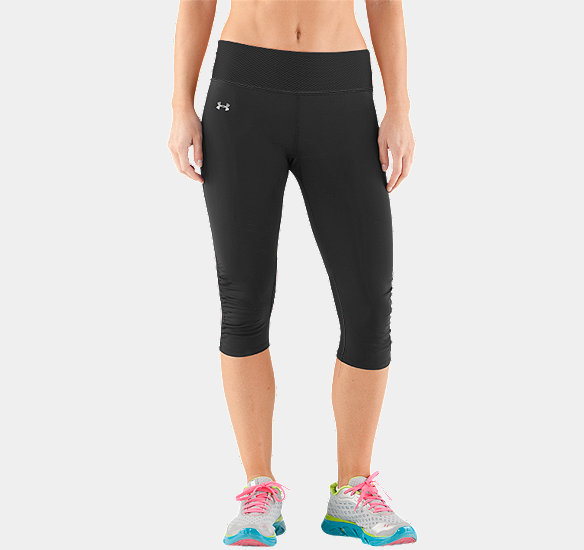 UNDER ARMOUR WOMEN FLY-BY COMPRESSION CAPRI BLACK