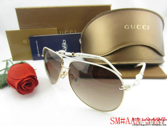 Gucci Sunglasses GGS384