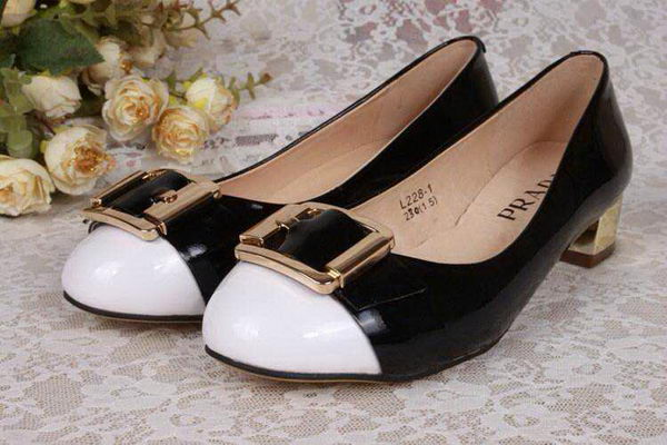 Prada Pump in Patent Leather PD5212 Black&White