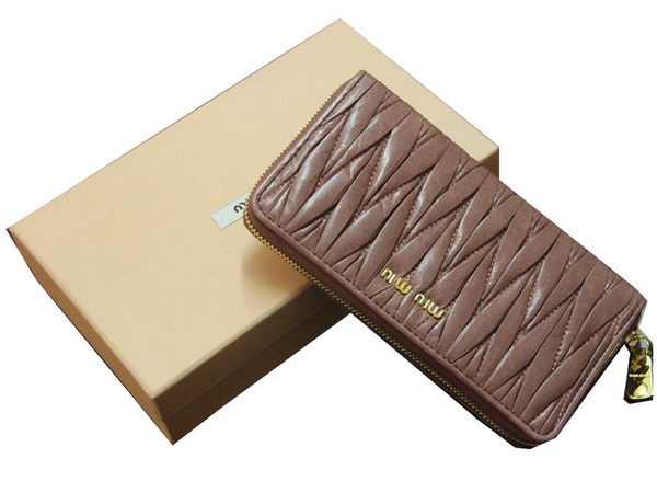 miu miu Matelasse Shiny Calf Leather Wallet M0169 Brown
