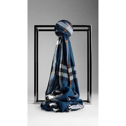 BURBERRY MEN'SCHECK WOOL CASHMERE CRINKLED SCARF TEAL BLUE CHECK
