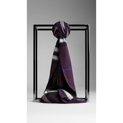 BURBERRY WOMEN'S CHECK CASHMERE SCARF DARK BLACKCURRANT