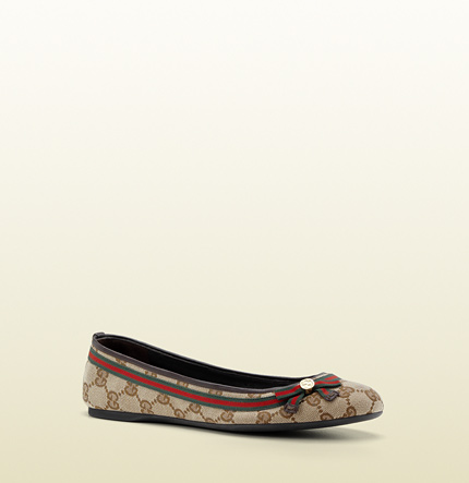 Gucci mayfair ballet flat with web bow and metal interlocking G detail.