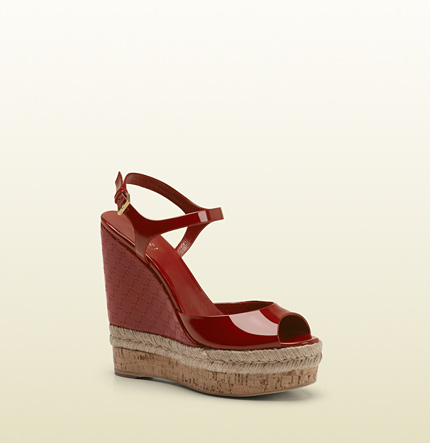 Gucci hollie dark red patent leather wedge