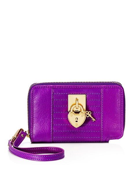 JUICY COUTURE WRISTLET ROBERTSON LEATHER TECH Crushed Berry Gold