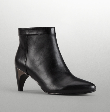 Kenneth Cole New York Glass Hop Boot BLACK