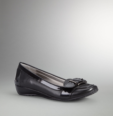 Kenneth Cole Reaction Wink At Me Flat BLACK