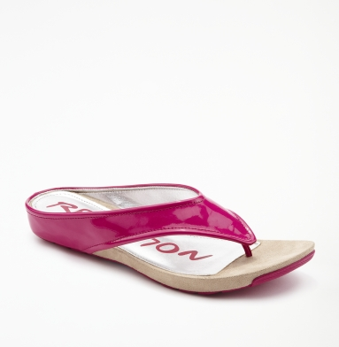 Kenneth Cole Reaction Water Park Sandal FUCHSIA