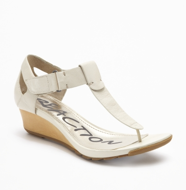 Kenneth Cole Reaction Sun Kissed Sandal LATTE