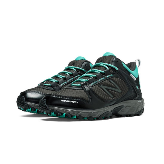 WOMEN'S New Balance 790v2 Black with Aqua