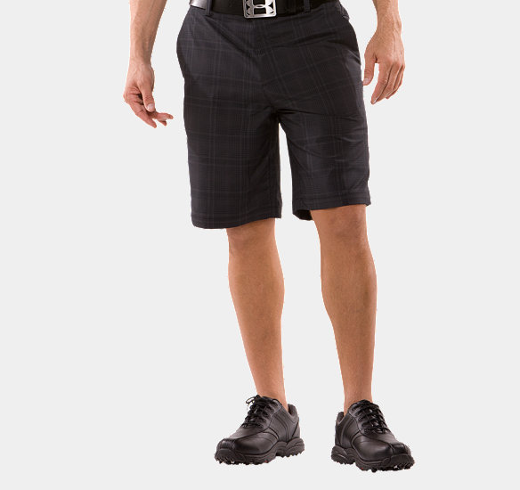 UNDER ARMOUR MEN PERFORMANCE PLAID SHORTS BLACK